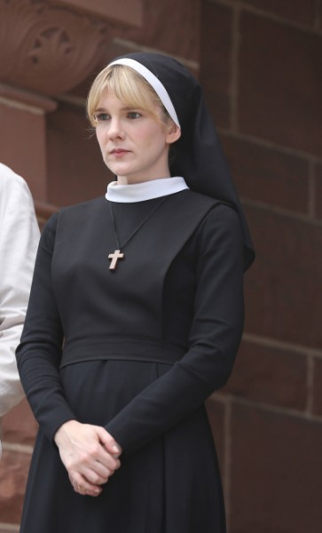 Lily-Rabe-Sister-Eunice-American-Horror-Story-Asylum-363x600